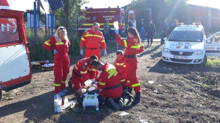 Accident feroviar mortal în Domănești. Un tren a lovit un microbuz