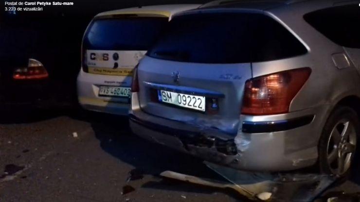 Șase mașini lovite într-o parcare din Micro 14  #VIDEO
