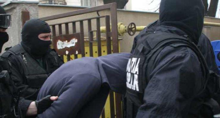 Cei trei infractori care au tâlhărit turistul german, prinși