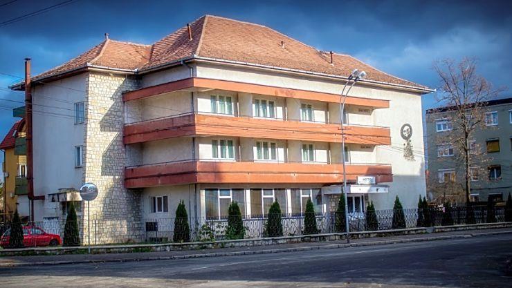Hotelul Sport și baza Dinamo vor trece în administrarea municipiului Satu Mare