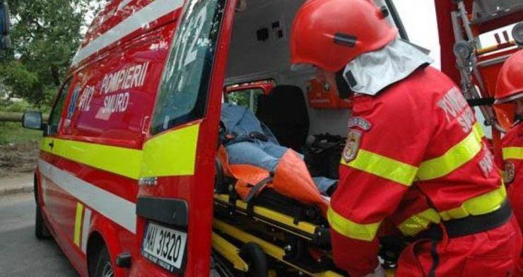 Accident cu trei răniți, la Călinești Oaș. Șoferul, un tânăr de 18 ani, era beat