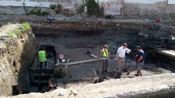 Arheologii au descoperit Cetatea Sătmarului sub fostul Teatru de vară