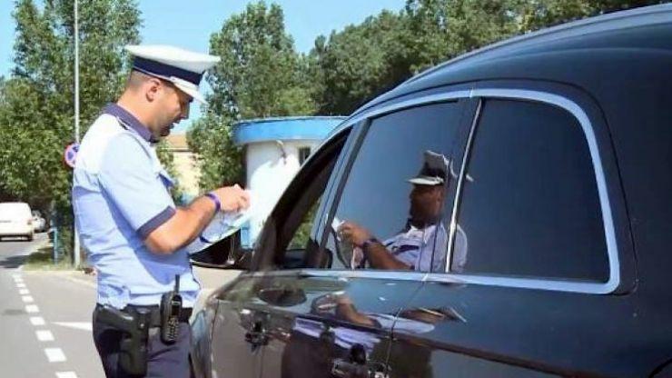 Oșeni fără permis depistați în trafic de polițiști
