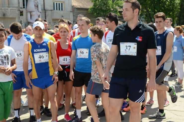 Sute de sătmăreni s-au alăturat cross-ului organizat de Rotaract Satu Mare (foto)