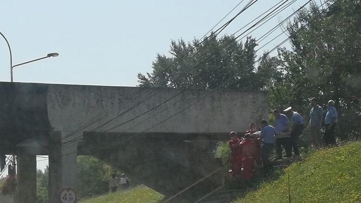 Un bărbat a încercat să se spânzure de un copac aflat pe malul Someșului