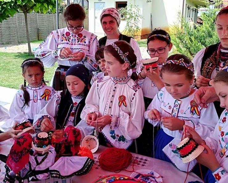 Tabără de meșteșuguri tradiționale pentru copii
