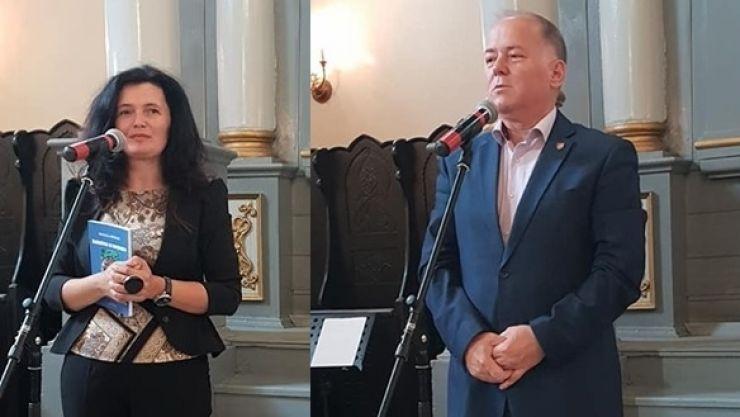 Doi scriitori sătmăreni au deschis Târgul de carte de la Alba Iulia