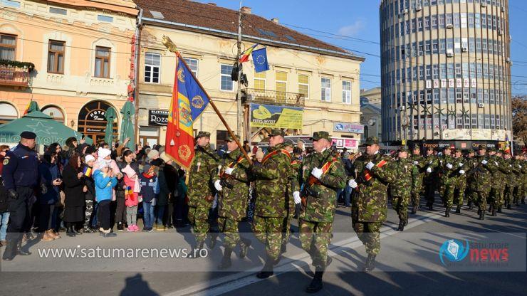 Mii de sătmăreni au admirat cea mai impresionantă paradă militară, de Centenar