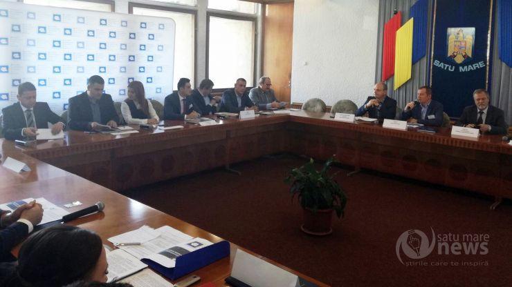 """Parlamentarii sătmăreni au semnat azi """"Pactul local pentru combaterea traficului ilicit"""""""