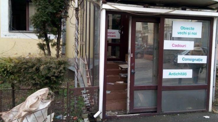 Un tânăr a spart un magazin de antichități de pe strada Petru Bran din Satu Mare