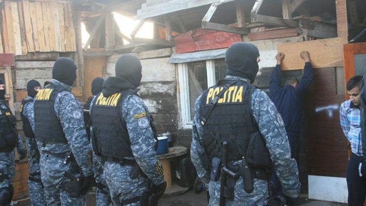 Polițiștii din Satu Mare au destructurat o rețea de traficanți de droguri