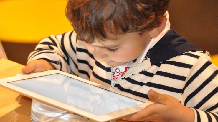 CNSU | Școala online se prelungește până la vacanța de iarnă