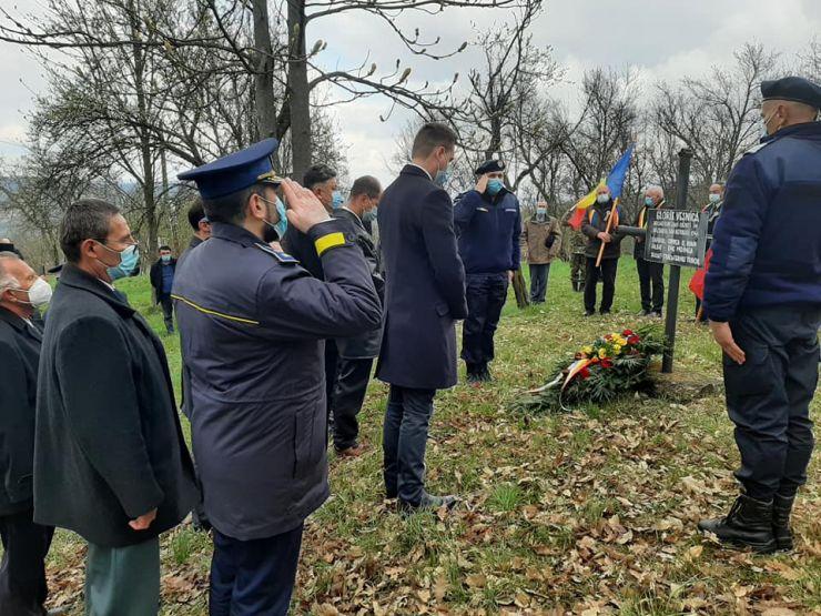 Vicepreședintele CJ Valer Beșeni a depus o coroană de flori la monumentele eroilor din Hodod și Lelei