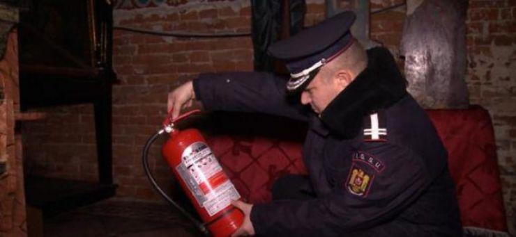 Cluburi, baruri și discoteci din Satu Mare verificate de pompieri. Ce nereguli s-au constatat
