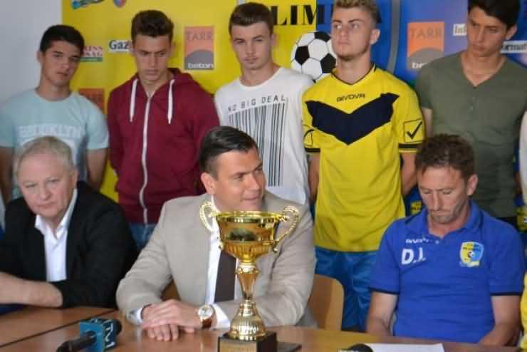 Adrian Ștef acuză: Clubul Olimpia Satu Mare, folosit de consilierii locali și județeni pentru campanie