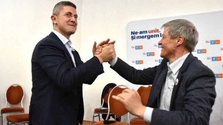 Dacian Cioloș, câștigător în primul tur la șefia USR PLUS. Urmează turul al doilea