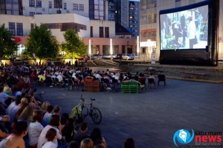 """Caravana Filmelor TIFF. Sătmărenii, invitați în această seară la comedia """"Comoara,"""" în regia lui Corneliu Porumboiu"""