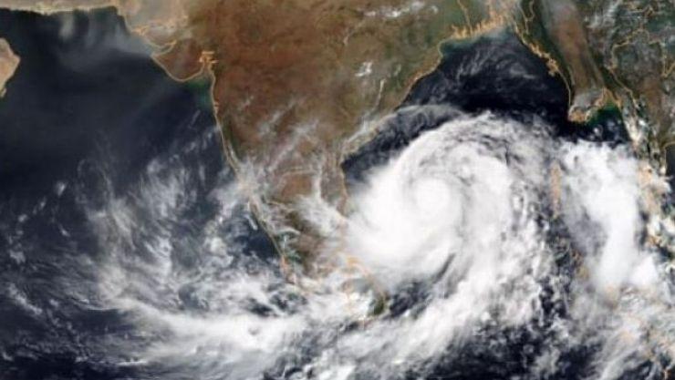ANM, în alertă! Un ciclon din Atlantic se apropie, periculos, de România