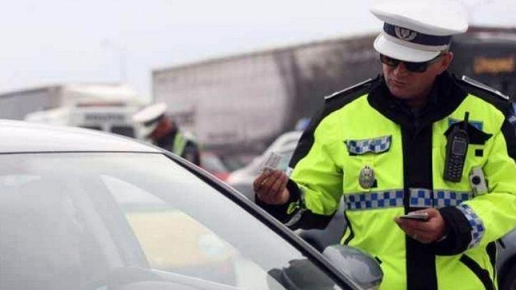 Un bărbat din Ardud, de 53 de ani, fără permis de conducere, depistat de poliţişti în trafic