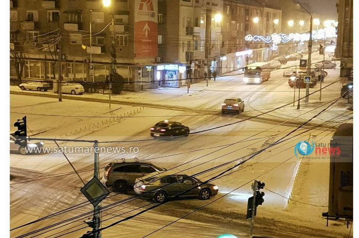 FOTO. Un nou accident în intersecția din fața Muzeului Județean Satu Mare