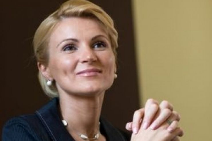 """Deputatul Andreea Paul a anunțat că își lansează o nouă carte: """"Forța economică a femeilor"""""""