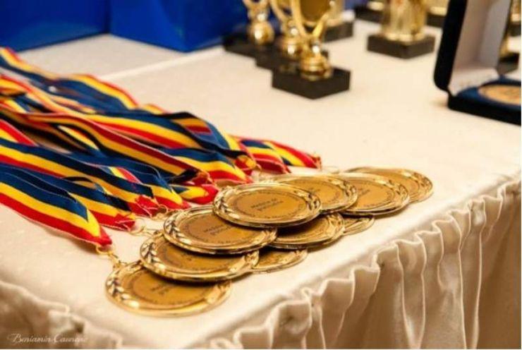 Trei elevi sătmăreni, pe podiumul Olimpiadei Naționale de Matematică (foto)
