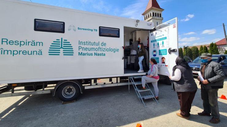 Zece comune sătmărene beneficiază de serviciile gratuite ale caravanei medicale de sănătate a plămânilor