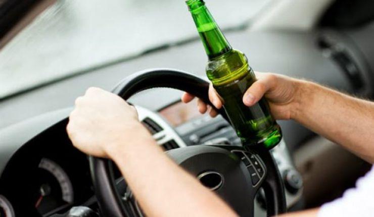 Bărbat prins beat la volan. Acesta avea o concentrație de 0,94 mg/l alcool pur în aerul expirat