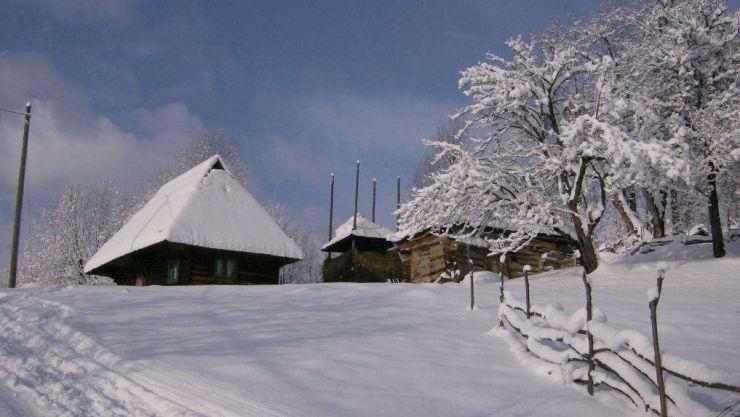 Stratul de zăpadă măsoară peste un metru la Cavnic, Firiza, Pasul Gutâi şi Băiuț