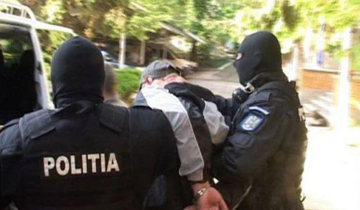 Urmărit internațional pentru tentativă de omor, prins de polițiști