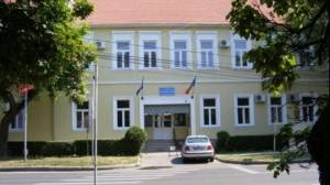 """Directorul Școlii Gimnaziale """"Constantin Brâncoveanu"""", demis după ce 11 copii s-au intoxicat"""