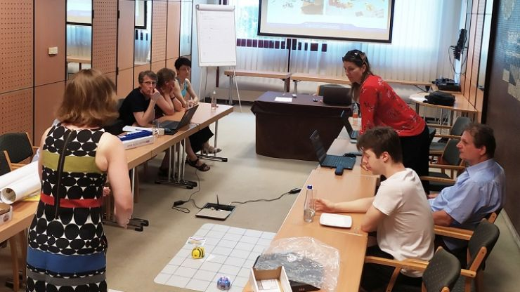 Caritas continuă implementarea proiectului de robotică