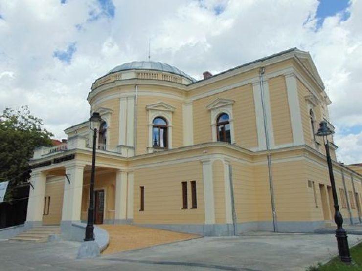 Un ultim omagiu adus actorului Vasile Blaga, sâmbătă, în foaierul Teatrului de Nord Satu Mare