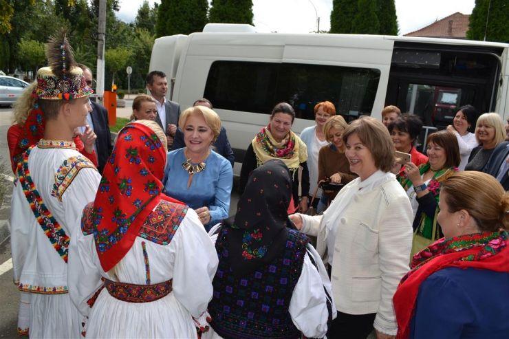 """Delegație de europarlamentari condusă de Viorica Dăncilă, în vizită la Negrești-Oaș: """"Am rămas impresionați și vom reveni să vizităm aceste minunate locuri"""""""