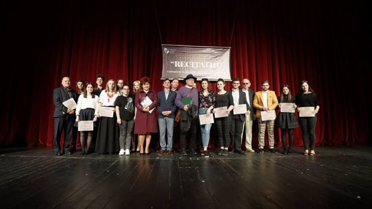 """Concursul de recitări din lirica poeților sătmăreni """"Recitatio"""" și-a desemnat câștigătorii"""