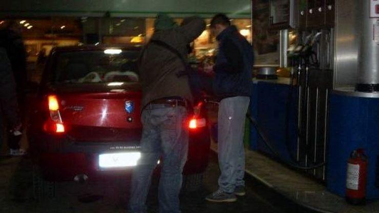 Doi sălăjeni au sustras mai multe bunuri dintr-o benzinărie