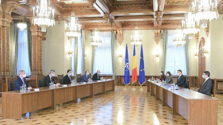 Klaus Iohannis a stabilit calendarul consultărilor cu partidele politice