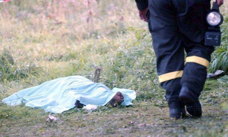 Ciobanul găsit mort lângă o fermă este din Bistrița Năsăud