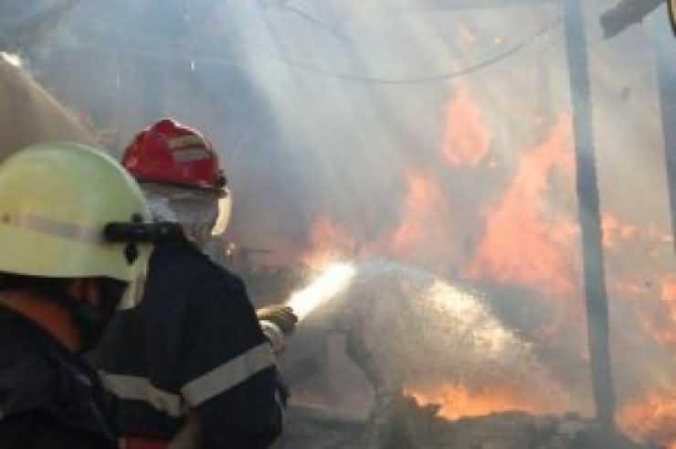 Patru incendii în ultimele 12 ore
