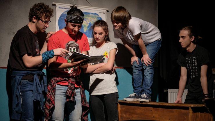Festivalul Internațional Multicultural de Teatru TRANZIT FESZT continuă vineri cu un spectacol al elevilor sătmăreni