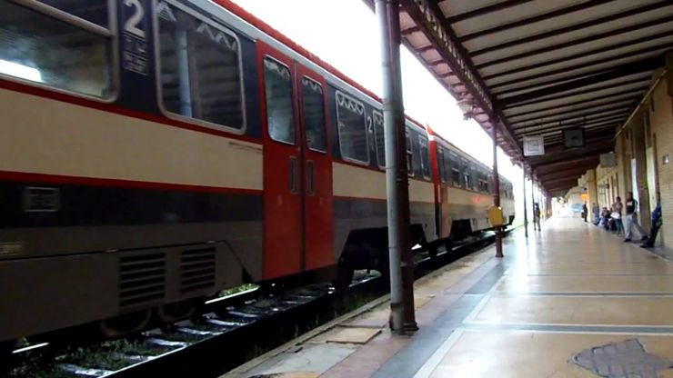 CFR scoate din circulație trenul 1745 dintre Bucureşti şi Satu Mare