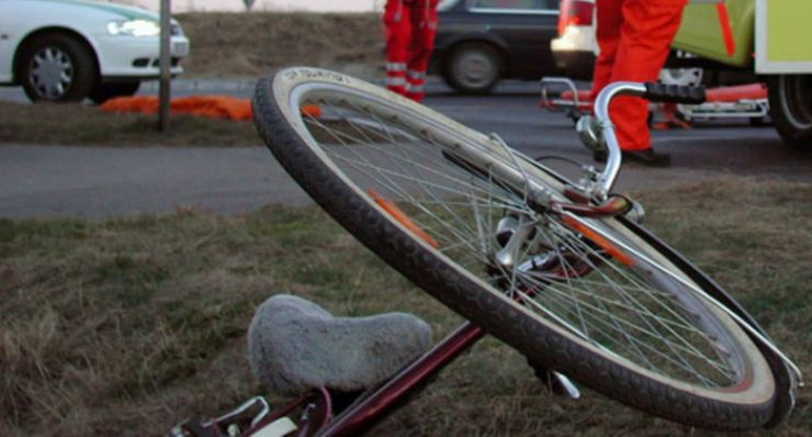 Biciclist accidentat grav, la Carei