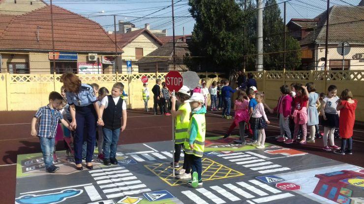 """O nouă generație de polițiști juniori la Școala """"Constantin Brâncoveanu"""""""
