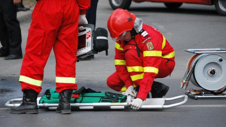 Accident | Impact frontal între două mașini, în Lazuri