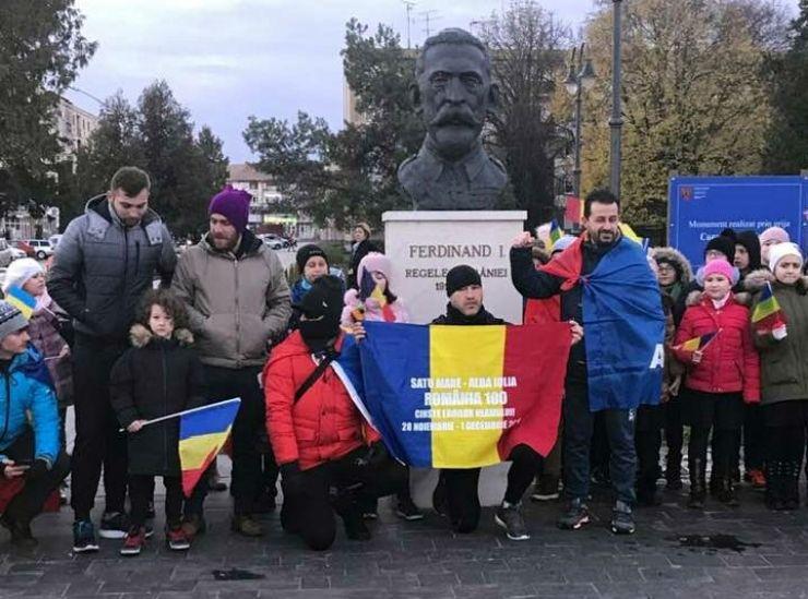 Careienii au pornit pe jos spre Alba Iulia pentru celebrarea Centenarului