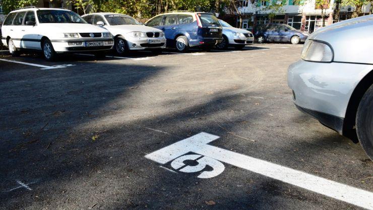Locuri de parcare, în locul garajelor, în Micro 15