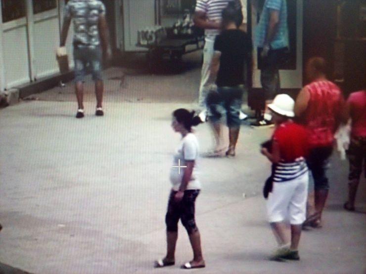 Tânără prinsă cu țigări de contrabandă în Piața Someș (foto)