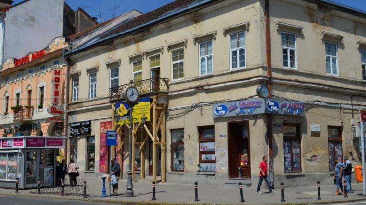 Somații pentru proprietarii clădirilor neîngrijite din centrul Sătmarului