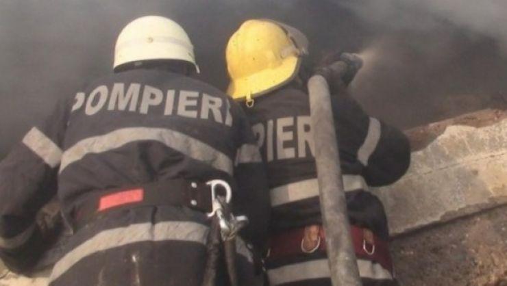 O bătrână a ajuns la spital, după ce casa în care se afla a explodat