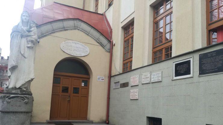 Colegiul Național Mihai Eminescu, la ceas aniversar: 100 de ani de existență